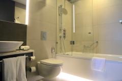 отель-хилтон-екатеринбург-номер-ванная-room-bathroom